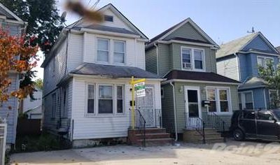 House with 3 Bedrooms in New York